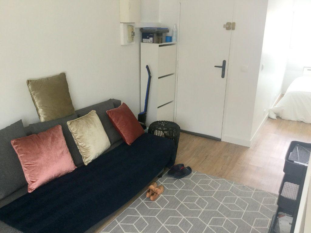 Appartement à louer 1 22m2 à La Madeleine vignette-4