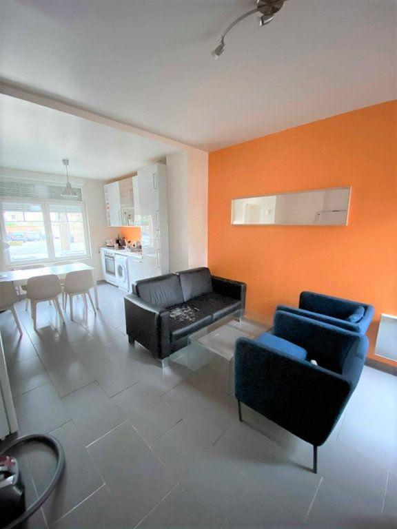 Appartement à louer 1 12m2 à Croix vignette-1