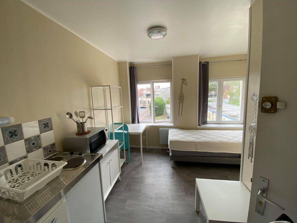 Appartement à louer 1 18m2 à Roubaix vignette-1