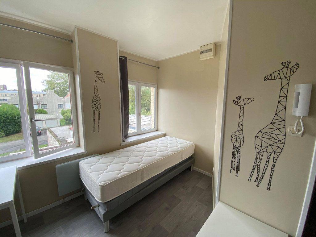 Appartement à louer 1 18m2 à Roubaix vignette-2