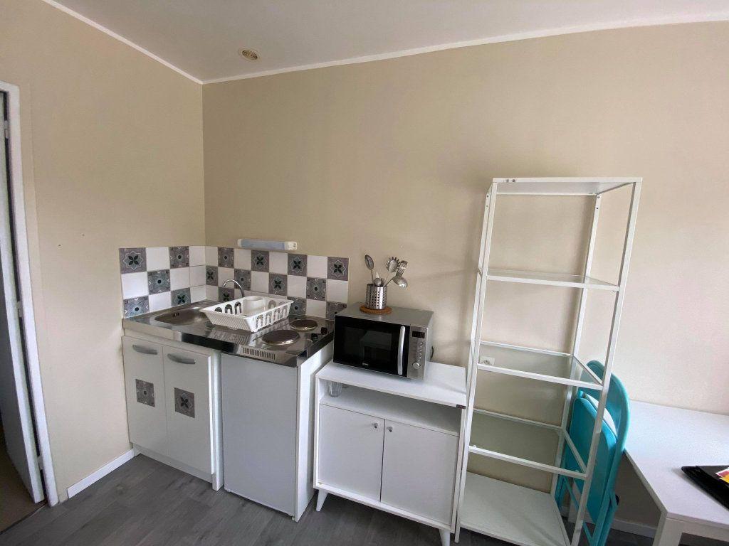 Appartement à louer 1 18m2 à Roubaix vignette-3