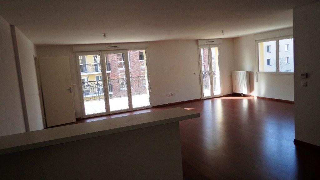 Appartement à vendre 3 108m2 à Lille vignette-3