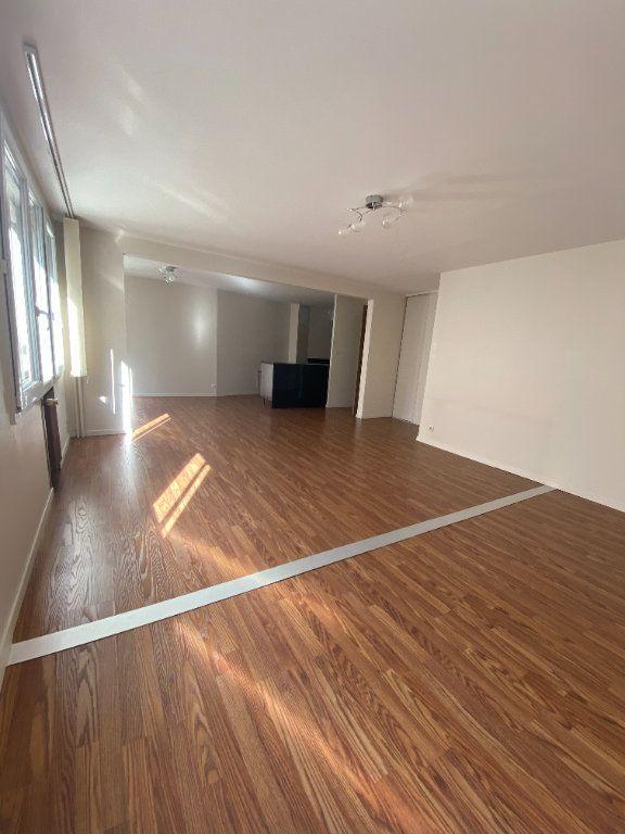 Appartement à louer 3 95m2 à La Madeleine vignette-1