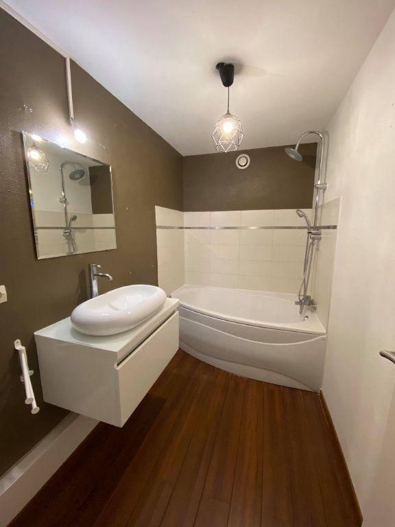 Appartement à louer 3 95m2 à La Madeleine vignette-7