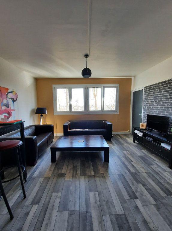 Appartement à vendre 4 64.27m2 à Villeneuve-d'Ascq vignette-1