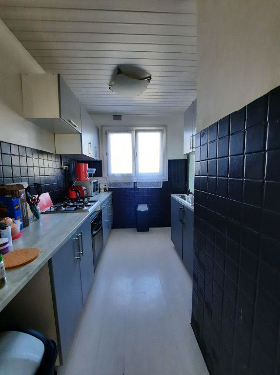 Appartement à vendre 4 64.27m2 à Villeneuve-d'Ascq vignette-2