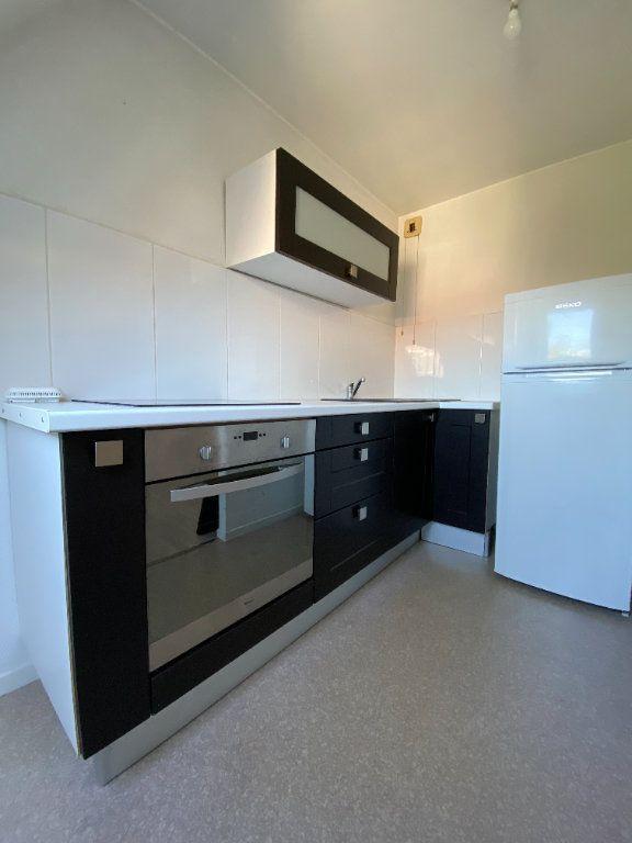 Appartement à louer 2 48m2 à Lille vignette-3