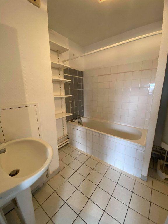 Appartement à louer 2 48m2 à Lille vignette-6