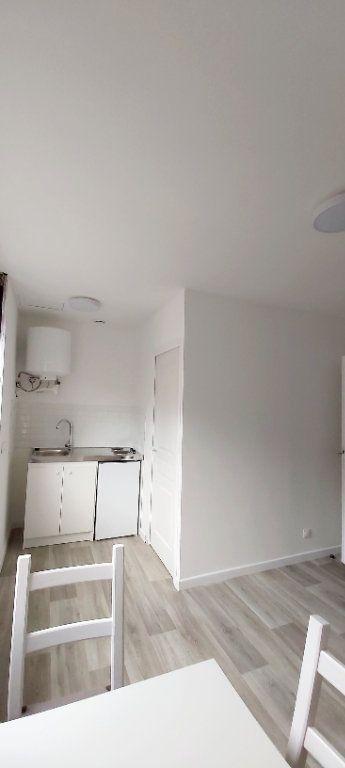 Appartement à louer 1 14.13m2 à Roubaix vignette-1