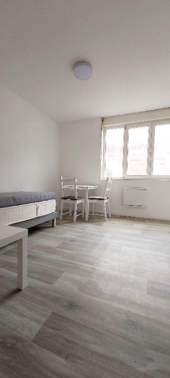 Appartement à louer 1 14.13m2 à Roubaix vignette-2