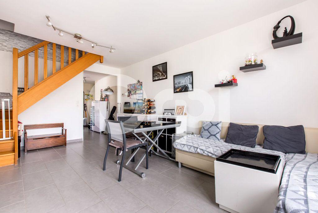 Appartement à vendre 3 58m2 à Lys-lez-Lannoy vignette-2