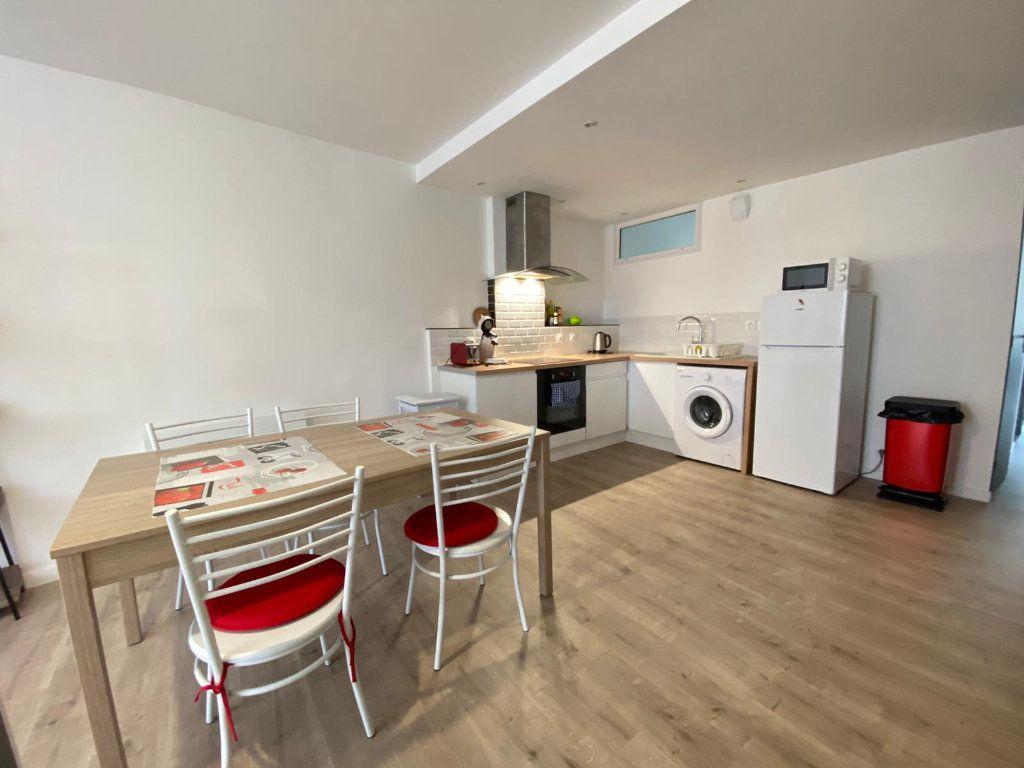 Appartement à louer 4 80.15m2 à Roubaix vignette-3