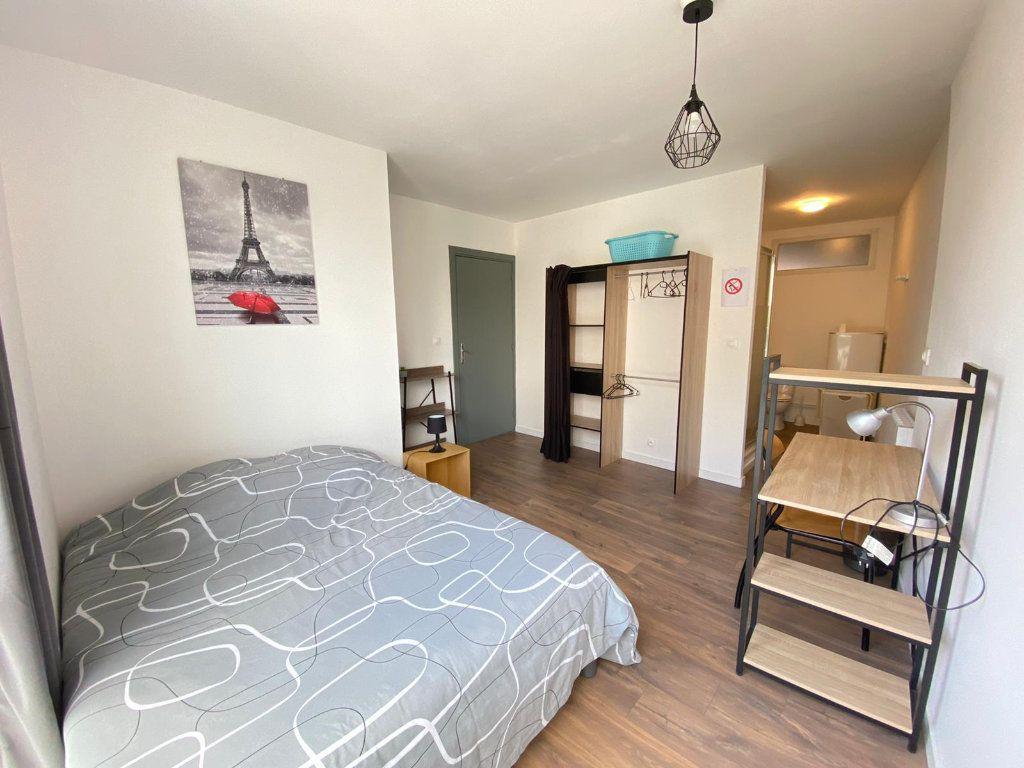 Appartement à louer 4 80.15m2 à Roubaix vignette-10