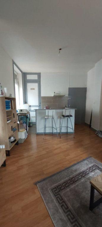 Appartement à louer 2 41m2 à Tourcoing vignette-2