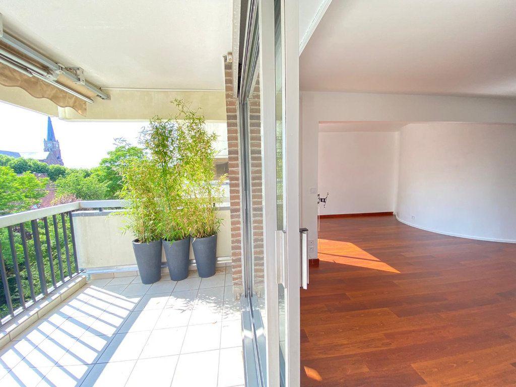 Appartement à louer 3 83.58m2 à Mouvaux vignette-2