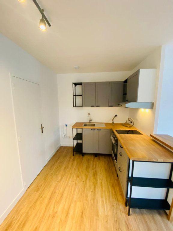 Appartement à louer 2 50.91m2 à Roubaix vignette-2