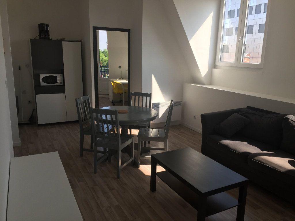 Appartement à louer 3 49m2 à Roubaix vignette-3