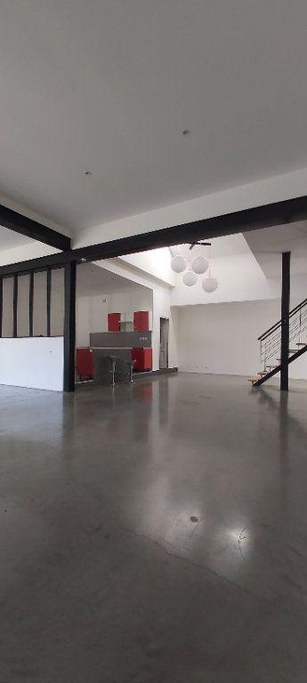 Appartement à louer 4 175.35m2 à Tourcoing vignette-1