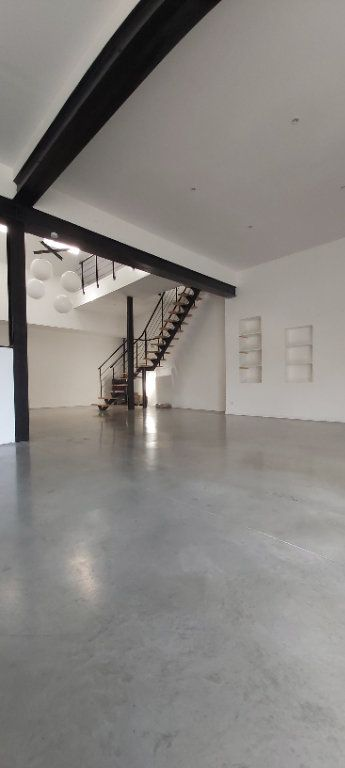 Appartement à louer 4 175.35m2 à Tourcoing vignette-2