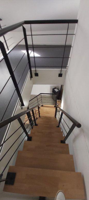 Appartement à louer 4 175.35m2 à Tourcoing vignette-4