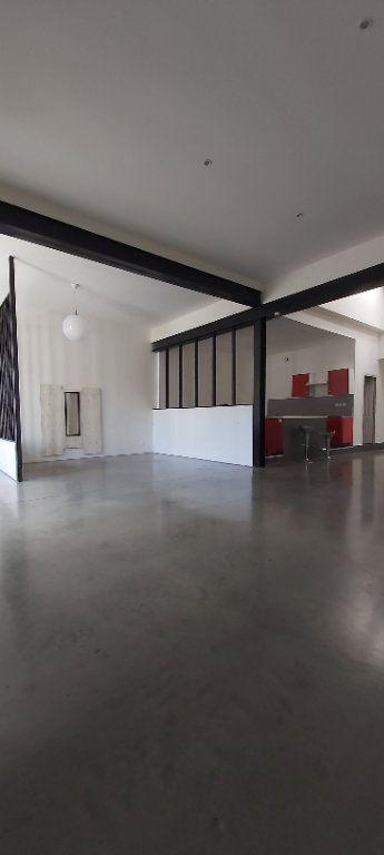 Appartement à louer 4 175.35m2 à Tourcoing vignette-6
