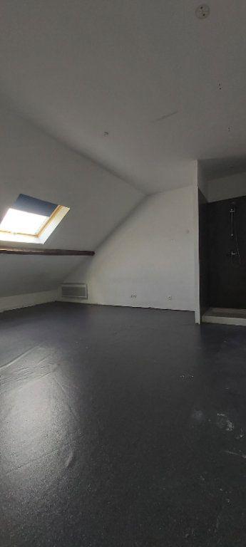 Appartement à louer 4 175.35m2 à Tourcoing vignette-8