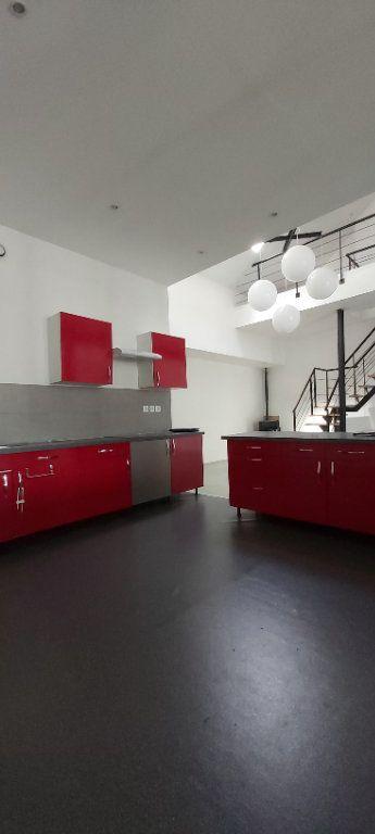 Appartement à louer 4 175.35m2 à Tourcoing vignette-10