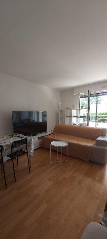 Appartement à louer 2 44.28m2 à Croix vignette-3