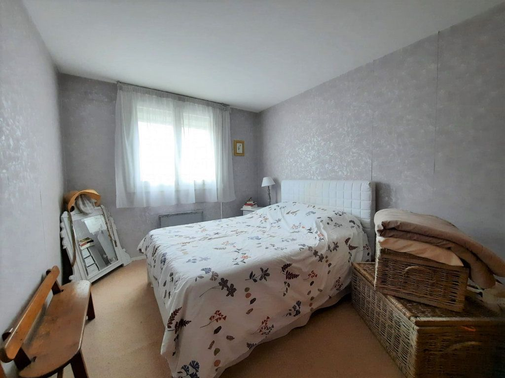 Appartement à vendre 4 77.62m2 à Lille vignette-4