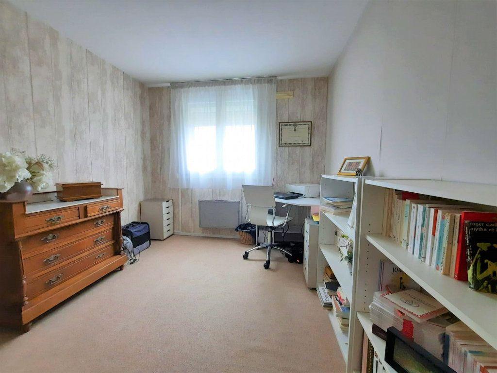 Appartement à vendre 4 77.62m2 à Lille vignette-5
