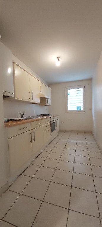 Appartement à louer 3 69.8m2 à Mouvaux vignette-3