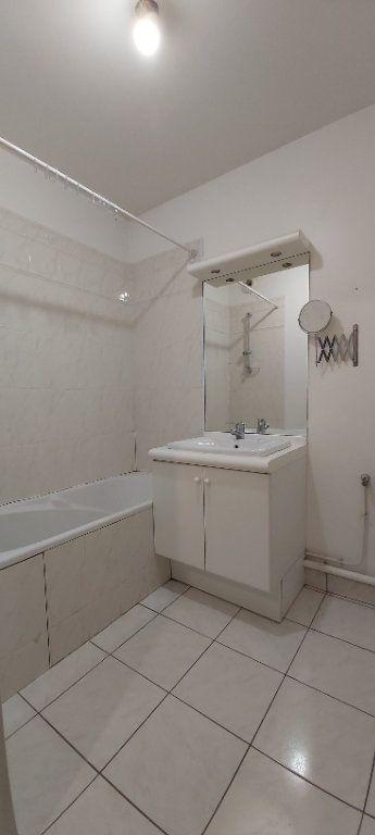Appartement à louer 3 69.8m2 à Mouvaux vignette-5