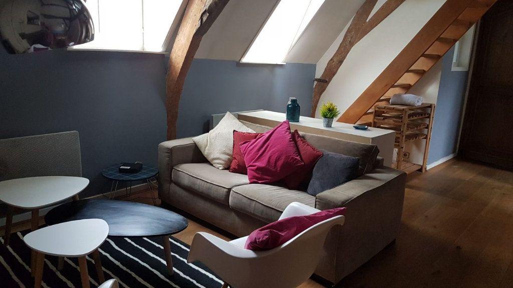 Appartement à louer 2 30m2 à Lille vignette-1