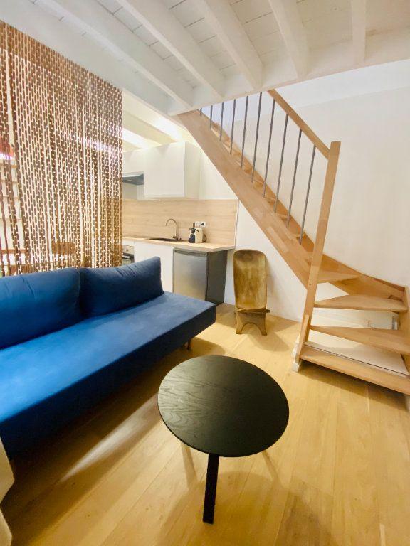 Appartement à louer 2 36m2 à Lille vignette-1