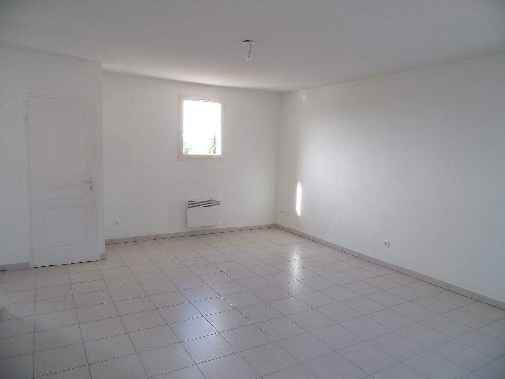 Appartement à louer 2 53m2 à Cadenet vignette-1