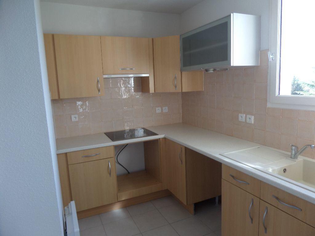 Appartement à louer 2 53m2 à Cadenet vignette-4