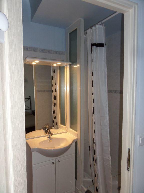 Appartement à louer 2 40m2 à Le Puy-Sainte-Réparade vignette-5