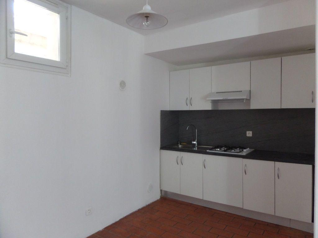 Appartement à louer 2 36m2 à Cadenet vignette-2