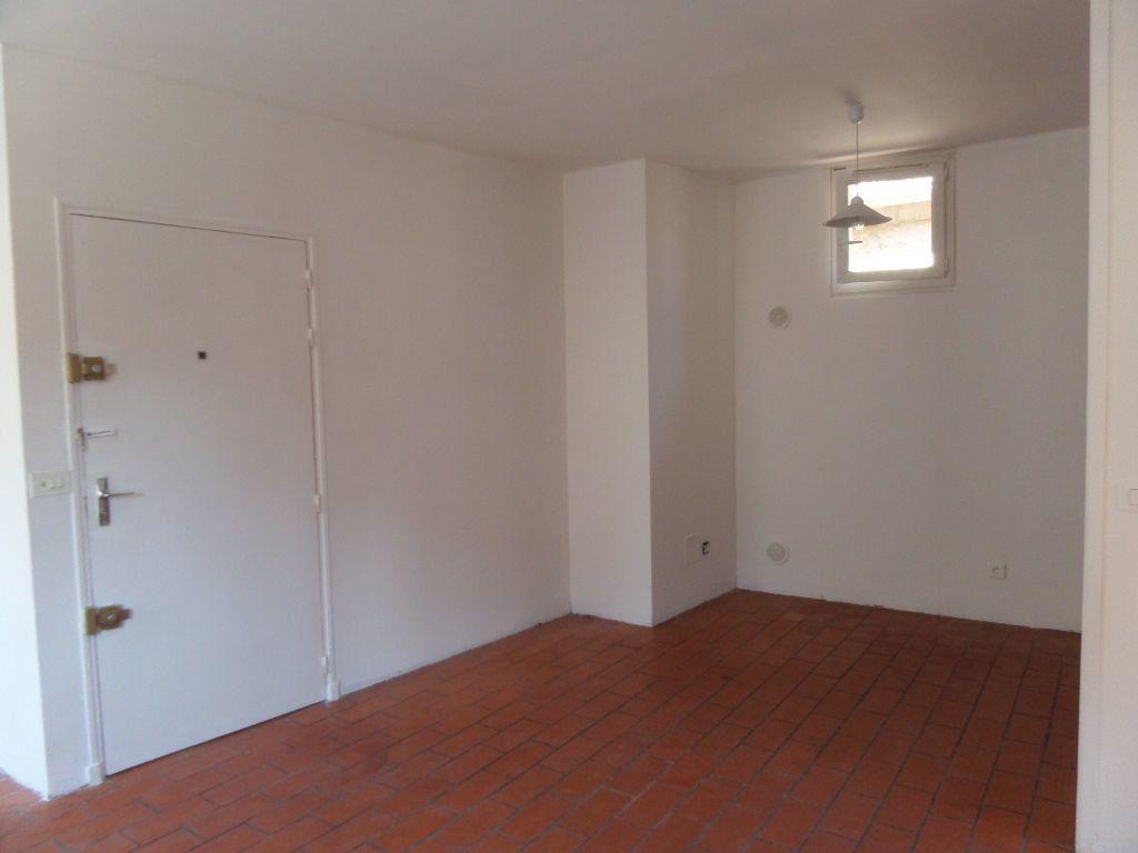 Appartement à louer 2 36m2 à Cadenet vignette-3