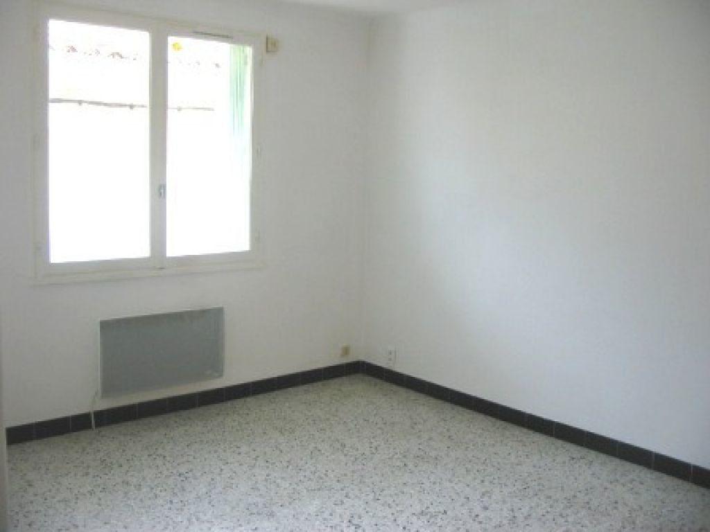 Appartement à louer 3 60m2 à Cadenet vignette-2