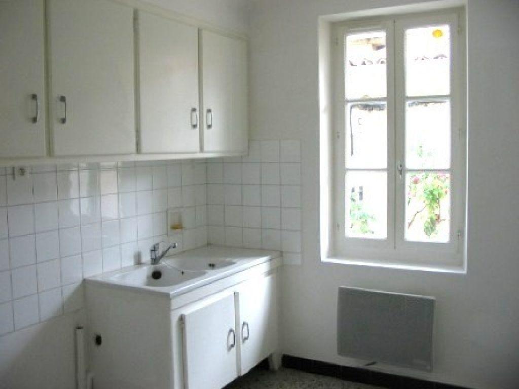 Appartement à louer 3 60m2 à Cadenet vignette-3
