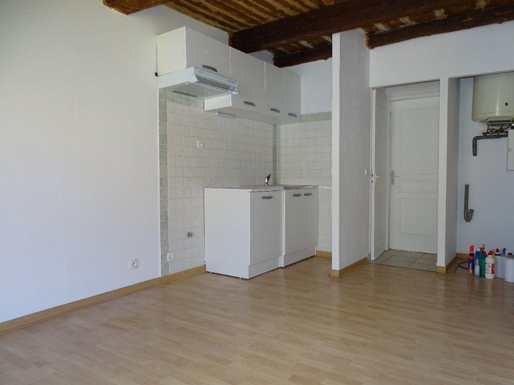 Appartement à louer 2 31m2 à Cadenet vignette-2