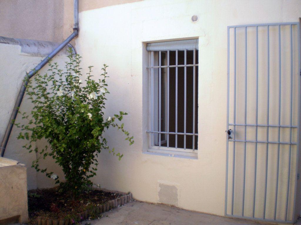 Appartement à louer 2 41.82m2 à Pertuis vignette-4