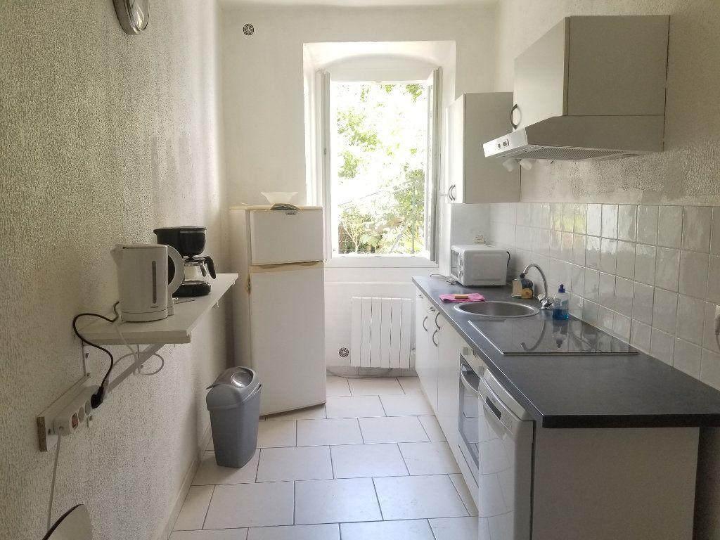 Appartement à louer 1 53m2 à Cadenet vignette-3