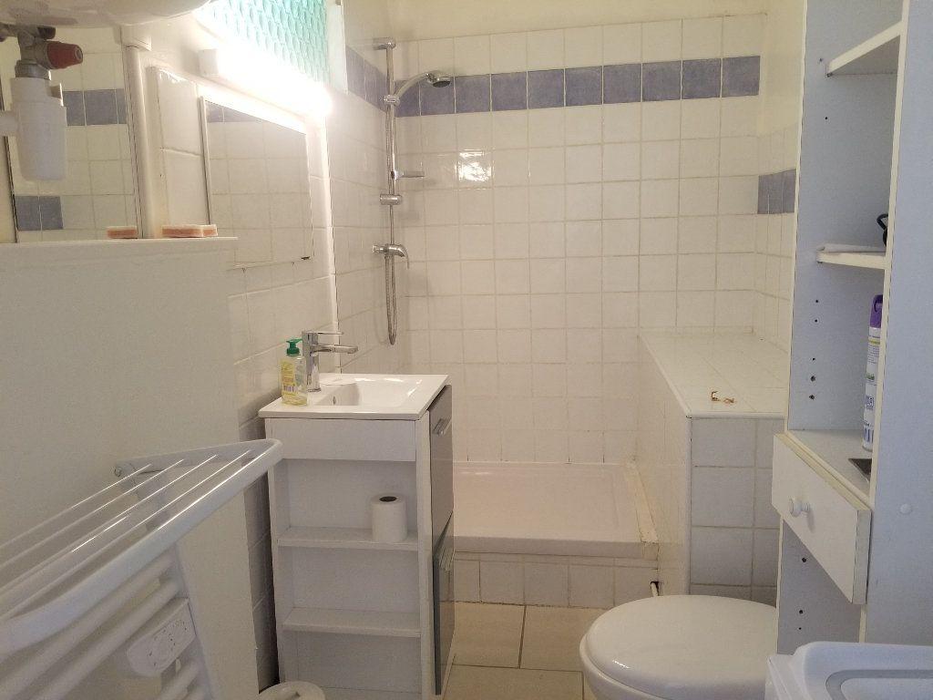 Appartement à louer 1 53m2 à Cadenet vignette-6
