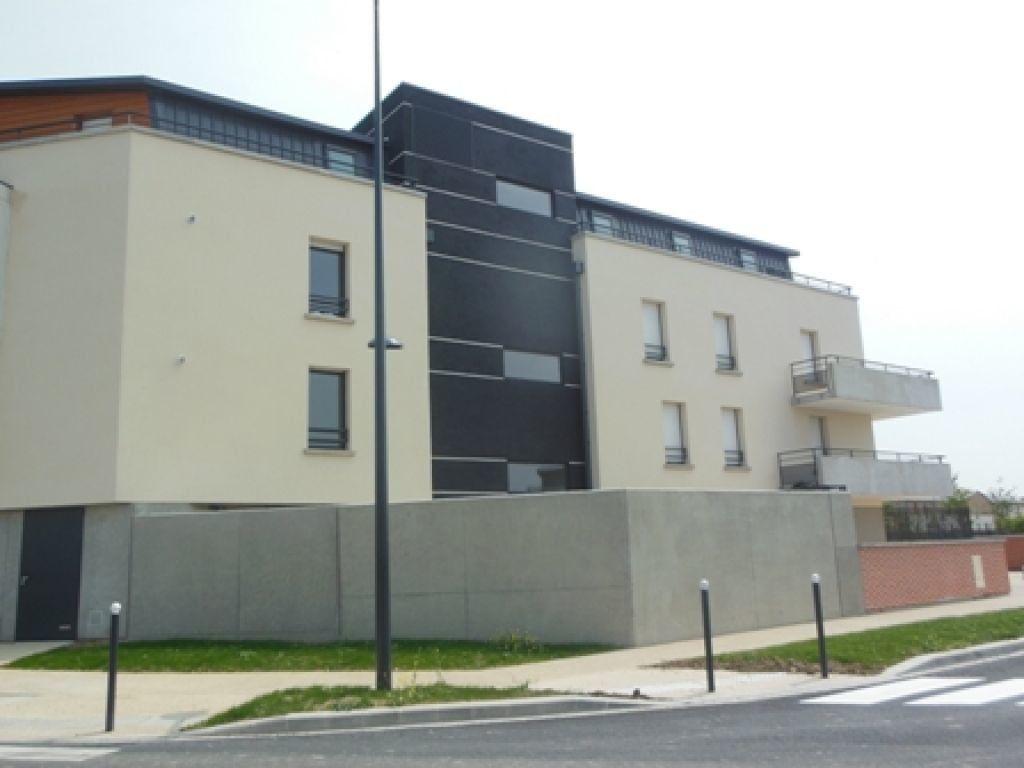 Appartement à louer 2 50m2 à Compiègne vignette-2