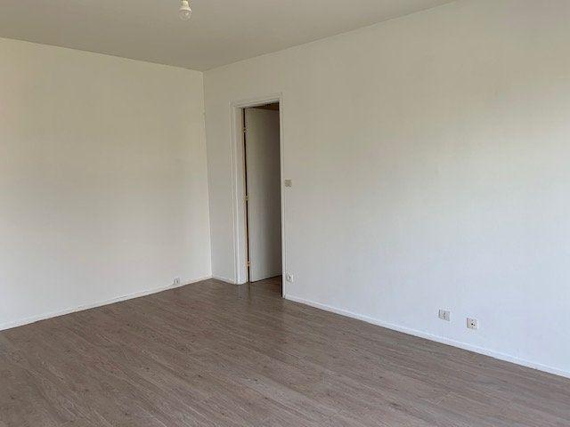 Appartement à louer 2 47m2 à Roye vignette-2