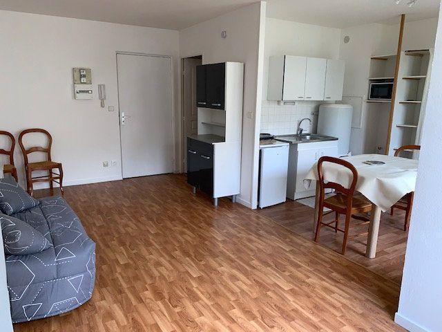 Appartement à louer 1 30.69m2 à Compiègne vignette-3
