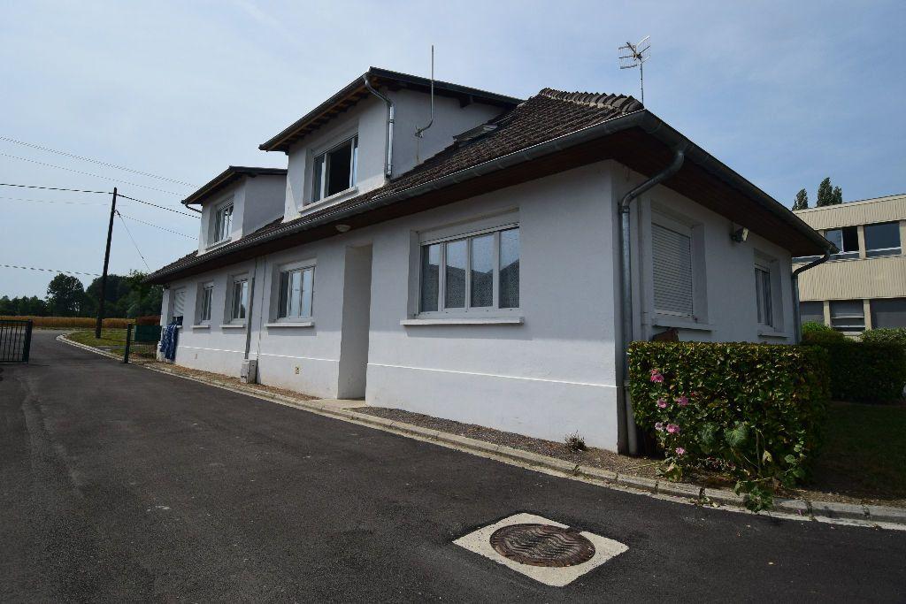 Appartement à louer 3 39.35m2 à Vic-sur-Aisne vignette-1