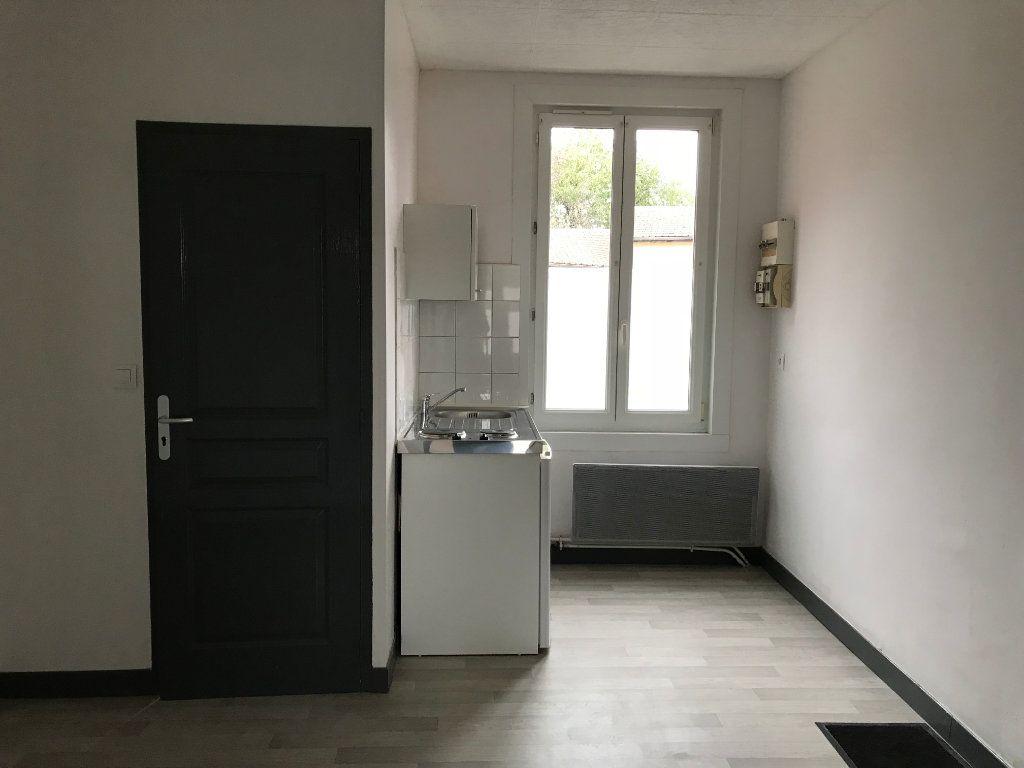 Appartement à louer 2 23.78m2 à Roye vignette-1